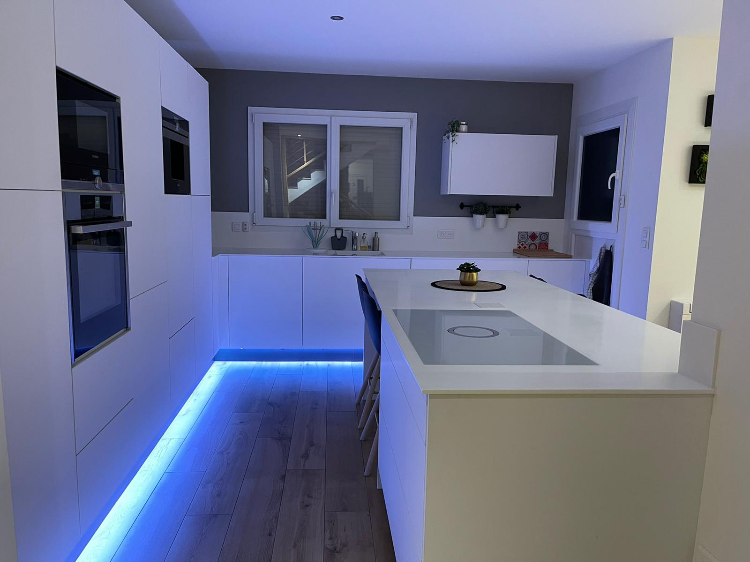 Cuisine 3D top mat blanc 2020 solutions agencement