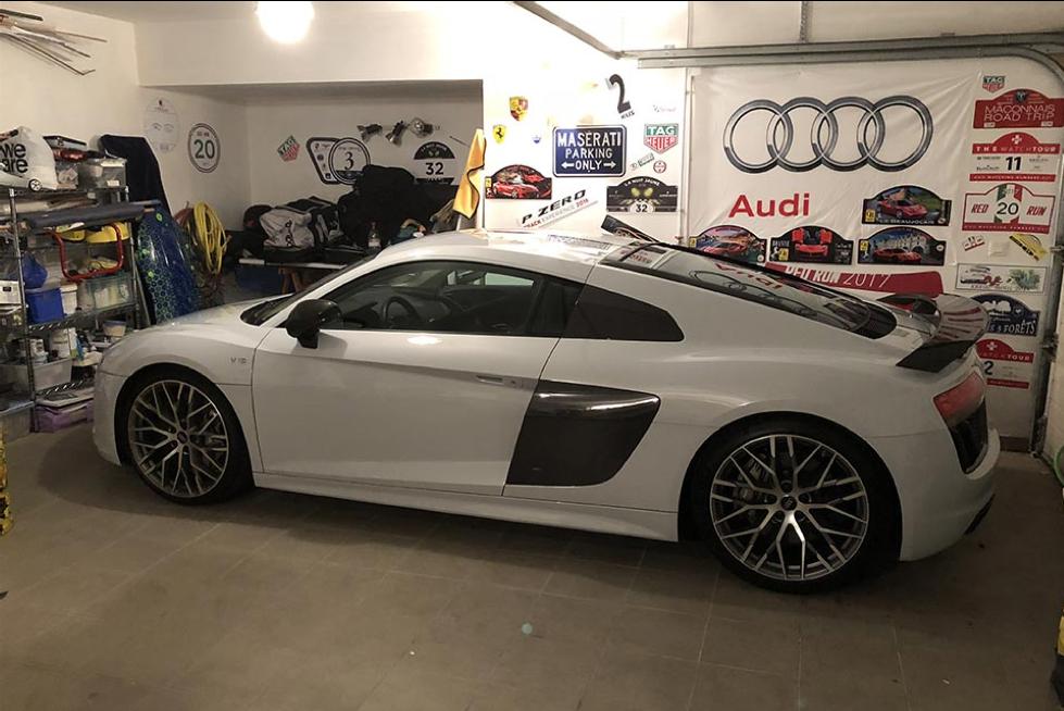 voiture blanche avant rehau agencement garages luxe solutions agencement